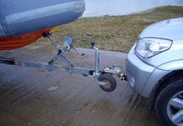 detatchable tongue towbar on front of vehicle